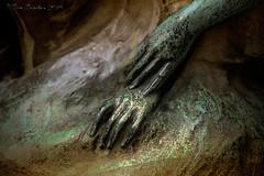 A touch of verdigris (Gate Gustafson) Tags: sculpture bronze detail verdigris hands figurative peterpan fairies elves jamesmatthewbarry eternalyouth thelittleboywhonevergrewup 1912 londonkensingtongardens brusselsegmontpark magic fantasy wendy