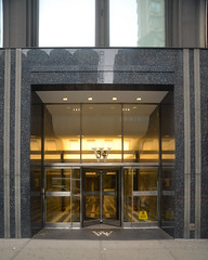 33rd Street West (9) 34 (shooting all the buildings in Manhattan) Tags: 33rdstreet newyorkcity newyork 2015 architecture manhattan ny nyc november us door
