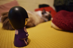 Kokeshi and Yuna (rivkahernandez) Tags: kokeshi doll neko gato seeyou muñeca cat
