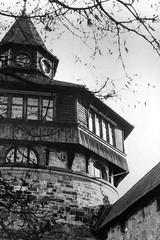 Wachturm (luislessing) Tags: black white lomo lomography schwarz weis apx agfa agfaphoto 100 iso watchtower wachturm turm burg himmel esslingen sky