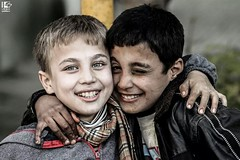 """""""Friends forever with the hope!"""" (Take a look on Syria without propaganda) Tags: unicef children war child aid syria unhcr  displaced displacement displacedperson    displacedpeople internallydisplaced gouta    dimashqi"""