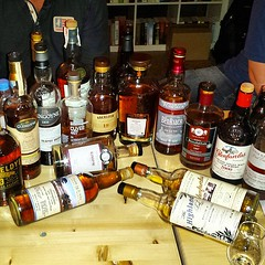 Stammtisch - Thema: Sherrywhisky , Instagram-Foto (tor-falke) Tags: square scotland bottle whiskey single squareformat scotch singlemalt flaschen uisgebeatha scotchwhisky iphoneography instagramapp uploaded:by=instagram torfalke flickrtorfalke maltsscotch