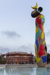 Joan Miro Woman and Bird Statue (Glenn Shoemake) Tags: barcelona miro donaiocell womanandbird canonef1635f28lii