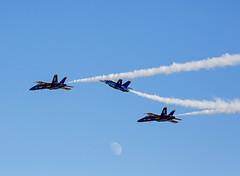 BA_141 (SamOphoto2011) Tags: california canon sandiego airplanes airshow boeing blueangels 2014 f18hornet 100400l mcasmiramar 5dmarkiii