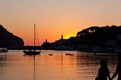 Port de Sller: Walk in the sunset (miphages) Tags: sunset espaa canon spain mallorca majorca espanya sller majorque portdesller eos450d 450d puertodesller efs1855mmf3556is rebelxsi kissx2 miphages