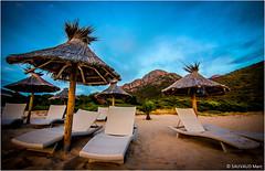 Plage d'Arone (SAUVM2) Tags: beach canon island eos sand paradise corse corsica sable parasol plage transat arone 600d