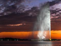 Jeddah fountain (frapho) Tags: jeddah fountain saudi arabia water sunset clouds simply superb