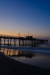 Beach Sunrise (PMillera4) Tags: beachsunrise dawn sunrise moon avalonnj jerseyshore newjersey fishingpier beach