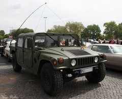 M998 HMMWV (Schwanzus_Longus) Tags: green olive america american army camo car diesel engine german germany gloss h1 hamburg hmmwv hummer humvee military modern motorshow offroad paint powered us usa vehicle fahrzeug auto outdoor