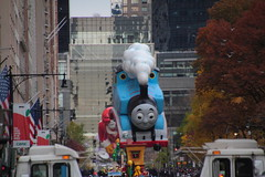 IMG_2360 (neatnessdotcom) Tags: tamron 18270mm f3563 di ii vc pzd canon eos rebel t2i 550d macys thanksgiving day parade