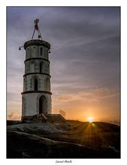 La Tour Dreyfus à la Pointe des Roches à Kourou (Laurent Asselin) Tags: tour dreyfus kourou sémaphore ciel nuages leverdesoleil aube sunrise paysage