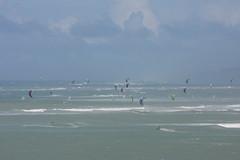 Hawaii Kite Surfing (andrewturnbull3) Tags: hawaii honolulu seascape sea beach surfing kite canon eos 40d