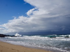 Oneloa Bay, wind, waves and clouds (piranhabros) Tags: beach maui hawaii oneloa kapalua waves wind clouds