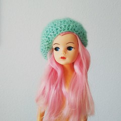 I have a beret. But I do not have clothes yet... (Ela y Fungilandia) Tags: sindy sindydoll pedigree vintage vintagedoll