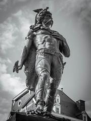 Statue d'Ambiorix (geofana) Tags: burons tongres belges ambiorix belgium belge gaulois tongeren statue belgique leica dlux5