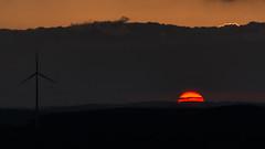 Sonnenuntergang mit Filter... (montagestaender) Tags: sun sonne sonnenuntergang saarland sanktwendel preusenwacht sundowner himmel sky wolken windrad