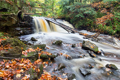 Upper Chapel Falls in Autumn - Upper Peninsula Pictured Rocks (Craig - S) Tags: park autumn vacation usa tourism up america season walking photography photo waterfall nationalpark sandstone midwest scenery rocks hiking michigan scenic trails rocky 1966 adventure backpacking waterfalls stockphotos destination upnorth upperpeninsula lakesuperior grandmarais rockformations stockphoto munising stockphotography uppermichigan picturedrocks northernmichigan picturedrocksnationallakeshore nationallakeshore algercounty chapelfalls chapelloop munisingmichigan grandmaraismichigan puremichigan upperchapelfalls chapelbasin picturedrocksarea michigannationalparks chapelloophike chapellooparea