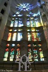 Templo de la Sagrada Familia (Eva Ceprián) Tags: barcelona españa architecture spain arquitectura gaudí sagradafamilia nikond3100 evaceprián