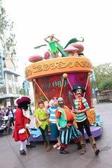 CHOC Walk 2014 (jodykatin) Tags: disneyland pirate mickeyssoundsationalparade peterpansneverlandbuccaneerblast chocwalk2014