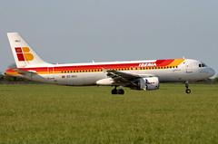 EC-HUJ (GH@BHD) Tags: aircraft aviation airbus dub airliner a320 iberia dublinairport ibe dublininternationalairport echuj