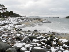 Seashore between Omsatuviken and Pampskatan in March (western shore of Cape Porkkalanniemi, Kirkkonummi, 20140316) (RainoL) Tags: winter sea snow ice finland geotagged march balticsea u fin seashore 2014 uusimaa kirkkonummi porkkala 201403 porkkalanniemi 20140316 geo:lat=5997042100 geo:lon=2439384700
