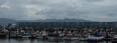Puerto (adrianmendez994) Tags: puerto barcos nubes fondo montaas