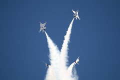Thudnerbirds (aoa30) Tags: formation f16 thunderbirds nellis