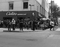 Cielito Caf (Digenes ;)) Tags: blanco de mexico video y negro toque cafeteria federal mexicano fotgrafo fotografa distrito innovador