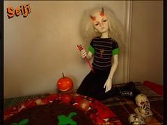 Joe Ignatius celebrates Halloween (Seiji-Univers) Tags: bjd balljointeddoll doll dollzone freddy2 msd halloween vegan cake chocolate chocolat veganfood vegetalien smile diable msdboy seiji seijiunivers cooking green