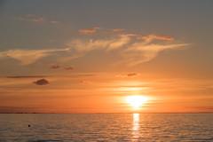 Sea at Sunset (Infomastern) Tags: malm vstrahamnen cloud goodnightsun hav sea sky solnedgng sunset