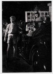 Pnktchen und Anton (1953) (Truus, Bob & Jan too!) Tags: pnktchenundanton pnktchen anton 1953 german film actor actress european cinema cine kino picture screen movie movies filmstar filmster star vintage collectors card rhombus herzogfilm herzog erichkstner erich kstner car police night peterfeldt peter feldt