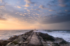 Hengistbury Head - Outdoor Photography Viewpoint (Stu Meech) Tags: hengistbury head dorset sunrise sky clouds nikon d750 outdoor photography magazine leefilters