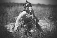 Aliny (venanciofilho) Tags: woman brunette mulher morena beleza beauty portrait retrato blackandwhite blackwhite bw pretoebranco pb praia beach sand areia grama grass sun sol sunglasses ã³culosdesol cabelo hair dreadlocks longhair messyhair vignette canon eos 6d pontaldoparanã¡ pr brazil