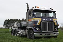 KU 1132 (ambodavenz) Tags: white road commander classic truck timaru south canterbry island tour new zealand