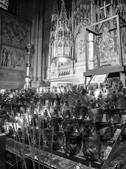 Pray (Jorge Hamilton) Tags: newyork nyc saint patrick nova york jorgehamilton brandao brando travel world city cathedral catedral igraja velas santurio flickr photo foto fotografia photography pray prece orao