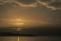 Octubre en la playa v2 (ponzoosa) Tags: octubre playa beach october america pontevedra vigo ramallosa rupatrupa algodn nata sunset atardercer amarilo yellow