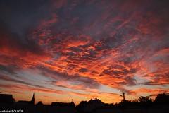 Incroyable ciel au lever du jour (antoinebouyer) Tags: ciel feu cloud sky nuage rouge temps météo