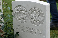 DSC01336 (Watsonette) Tags: peronne somme 1418 contemporaine watsonette thiepval soldats wwi