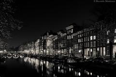 Amsterdam2 (Riccardo Martinuzzi) Tags: nightshot city landscape longesposure home canal re reflexes