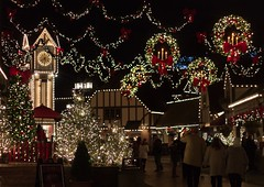 Merry Christmas! (Explore 12/25/16) (jason.betzner) Tags: eos rebelt3 canon outside nighttimephotography winter virginia williamsburg buschgardens christmastown christmaslights lights christmas