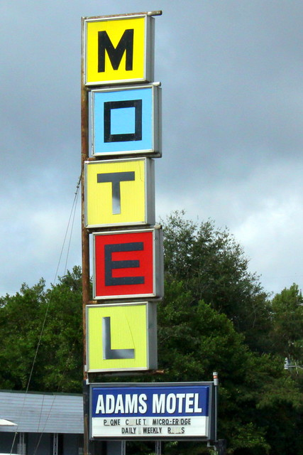 Adams Motel - Defuniak Springs, FL