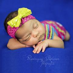 Primer mes deAngelina (Blanca de Rodriguez) Tags: nia bebe globos vestido beby reciennacido princesita sesiondefotos