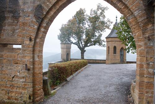 Bastion Schnarrwacht dans la brume au château de Hohenzollern