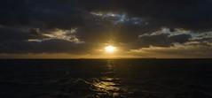 Vlieree - 17.58 uur (Dirk Bruin) Tags: sunset waddenzee de vlieland zonsondergang van rede blauwe watertaxi slenk noordwest geus richel vlieree