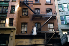 """Untitled"" in Chelsea (Mahler_seele) Tags: nyc newyorkcity bizarre scaffold chelsea leica leitzsummaron35mmf35"