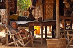 11-10-08 Myanmar (123) Bagan R01 (Nikobo3) Tags: asia myanmar birmania burma bagan culturas color rural retratos portraits people gentes travel viajes nikon nikond200 d200 nikon7020028vrii nikobo josgarcacobo flickrtravelaward ngc wonderfulworld natgeofacesoftheworld social