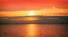 Sonnenuntergang Insel Marken (Christian Passi - Steher82) Tags: kste ufer landschaft sonnenuntergang meer himmel ozean i zuiderzee markermeer noordholland nederland netherland netherlands holland