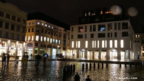 Nouveaux immeubles , place de la Cathédrale Rouen