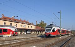 station Eger, MAV (peter.velthoen) Tags: 93setsclass415 stadlertypeflirt mav mavclass415 eger station bahnhof gare train trein emu stadtler