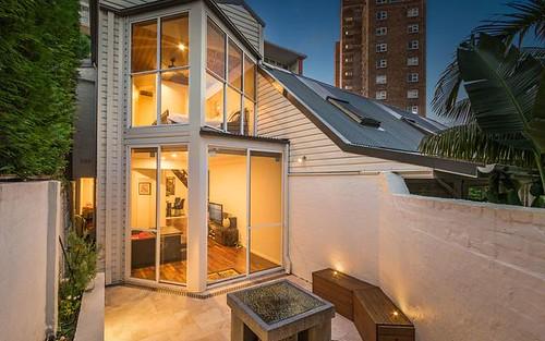2/30 Carabella Street, Kirribilli NSW 2061